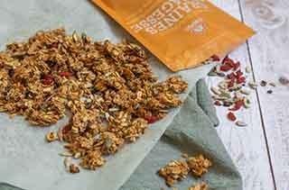 Granola à l'amande et graines de sagesse